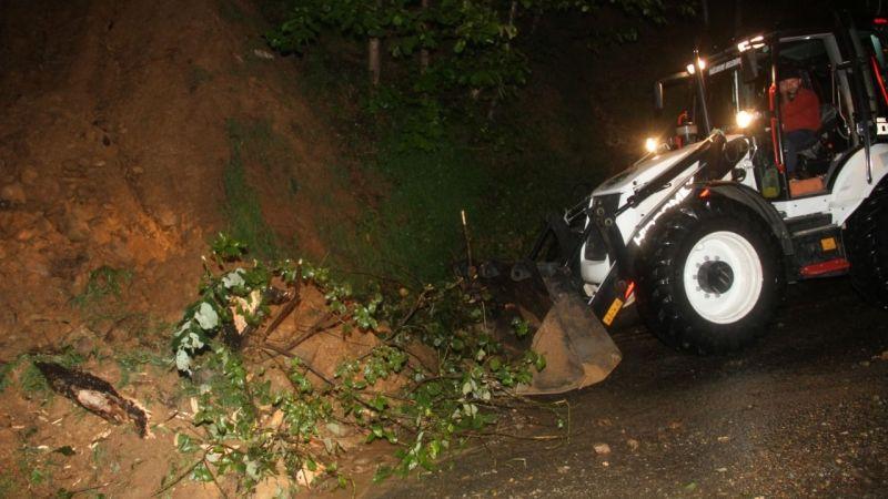 Yağlıdere ilçesinde şiddetli yağış hasara neden oldu