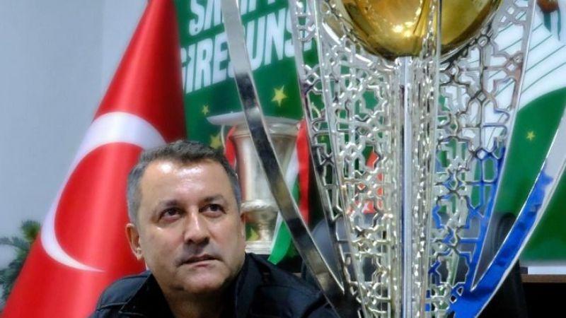 "KARAAHMET: ""BİZİM DÜNYAMIZA TEKME ATAN ÇOK"""
