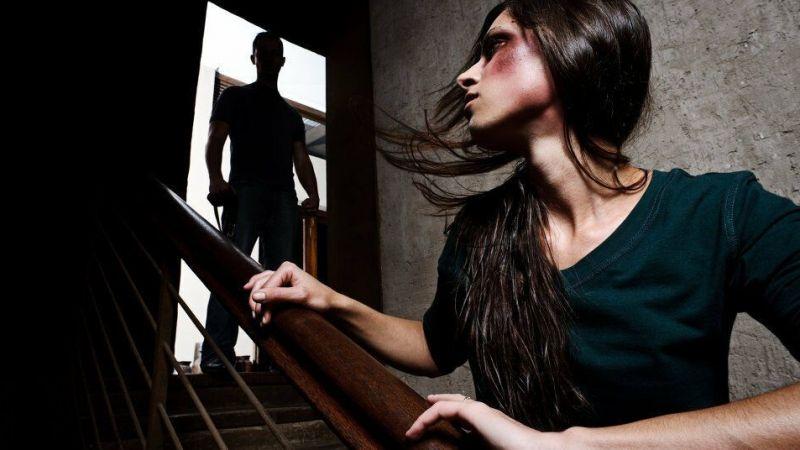 Çocuklarının önünde kocası tarafından bıçaklanan kadın, hayatını kaybetti!