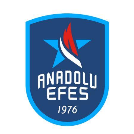 Anadolu Efes, final serisinde 2-0 öne geçti