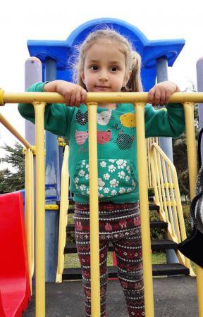 Yaya geçidinde durmayan sürücünün çarptığı 6 yaşındaki Duru melek oldu...