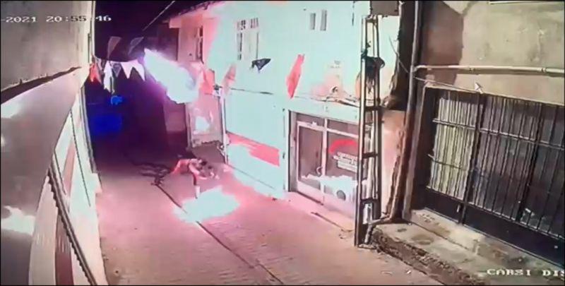 Diyarbakır AK Parti İl binasına molotofla saldırı yapıldı!