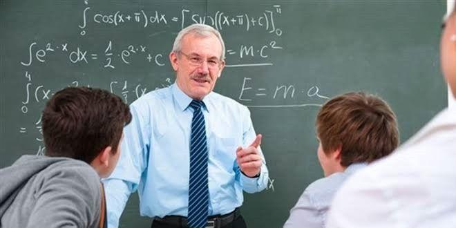 Sonunda Açıklama Geldi! Ücretli Öğretmenlik Kalkıyor Mu?