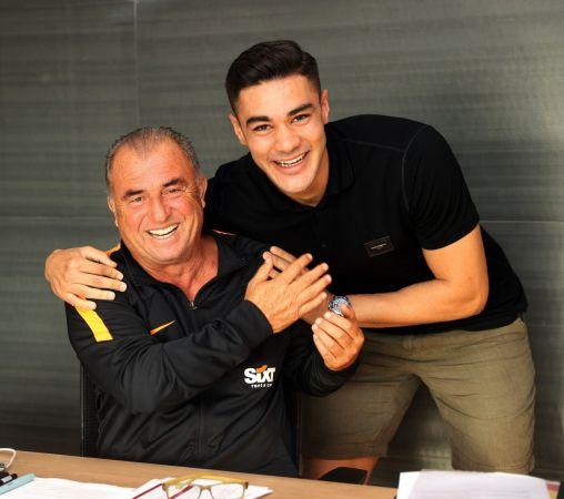 Galatasaray'ın eski genç oyuncusu Terim'i ziyaret etti.