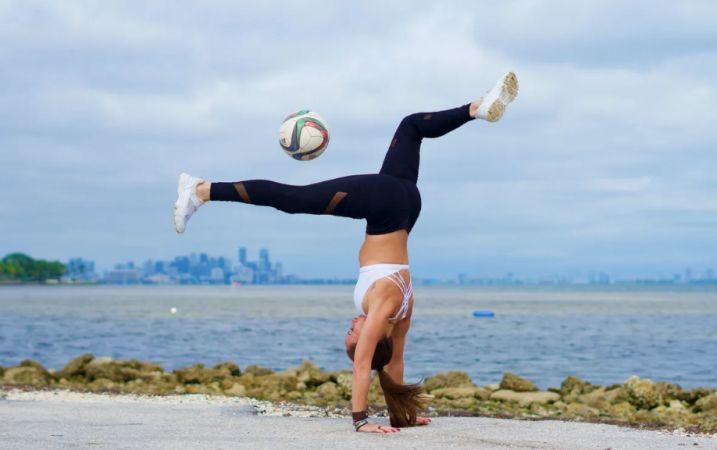11 Guiness Ödüllü Venezuelalı futbolcu kadından büyüleyici hareketler..