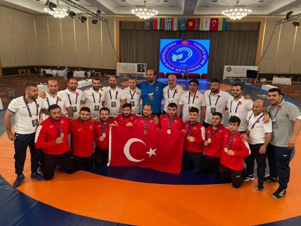 Milli Takım, İstanbul İşitme Engelliler Güreş Şampiyonası'nda Dünya Şampiyonu