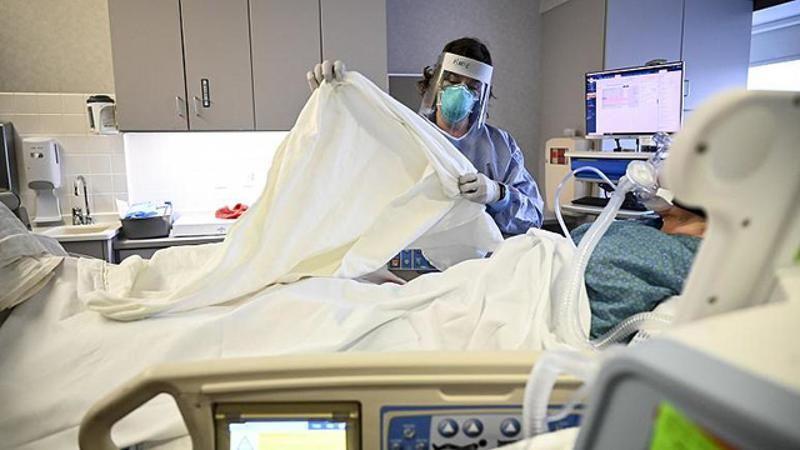 2 ayrı koronavirüs varyantını kapan kadın öldü