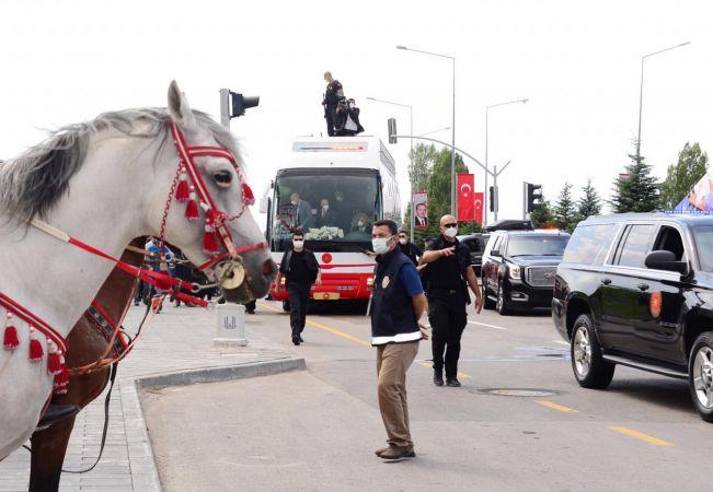 Erdoğan, 2023 için Erzurum'da destek istedi!
