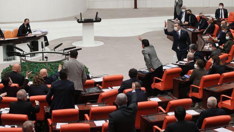 """CHP'den AK Parti'ye! """"EYT kanununu yok saydınız"""""""