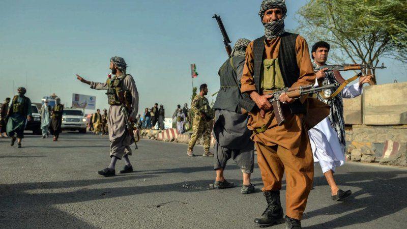 Taliban Afganistan'da adım adım ilerliyor