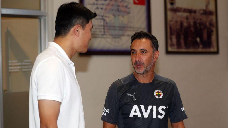 Fenerbahçe'nin Koreli futbolcusu takımla tanıştı!