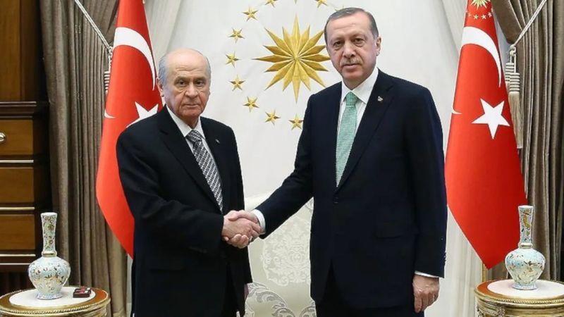 """Erdoğan ile Bahçeli anlaştı! """"Seçim barajı düşüyor"""""""