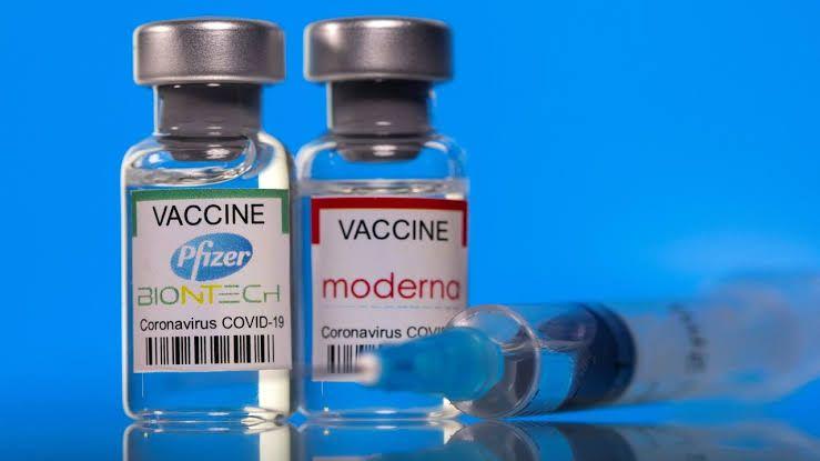 Oxford Üniversitesi: Mevcut aşıların etkisi azalıyor