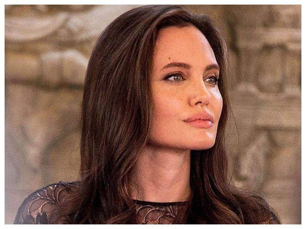 Angelina Jolie'den Afgan mültecilere destek!