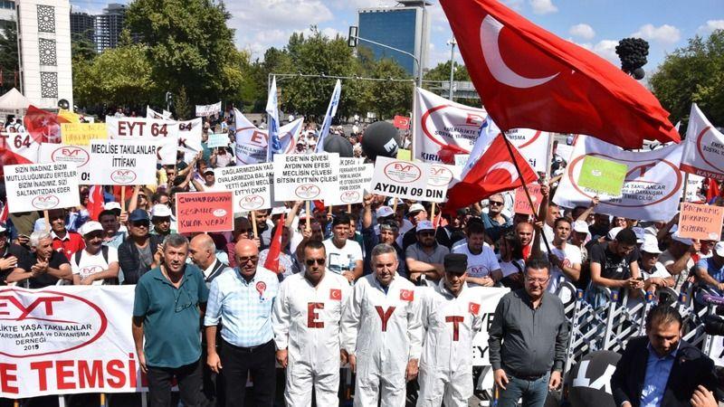 CHP yeni EYT ve emeklili sistemini Meclis'e sundu