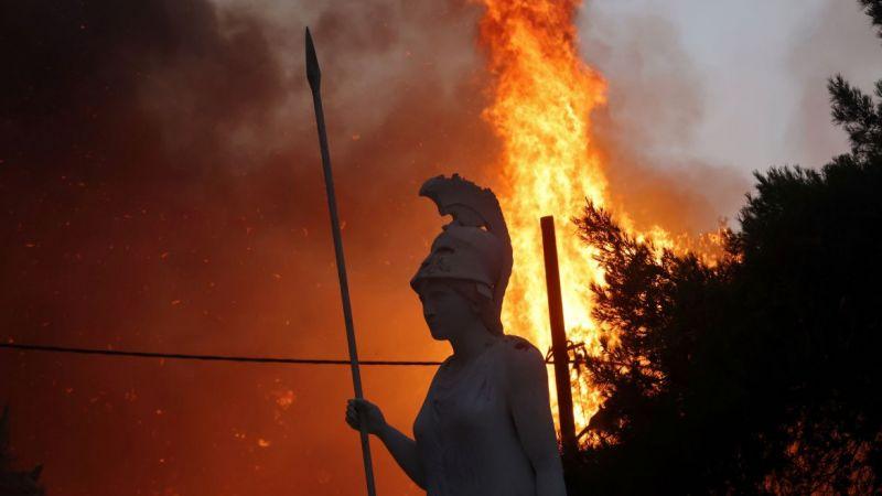 Yunanistan'da ormanlar yandı, kabine değişti
