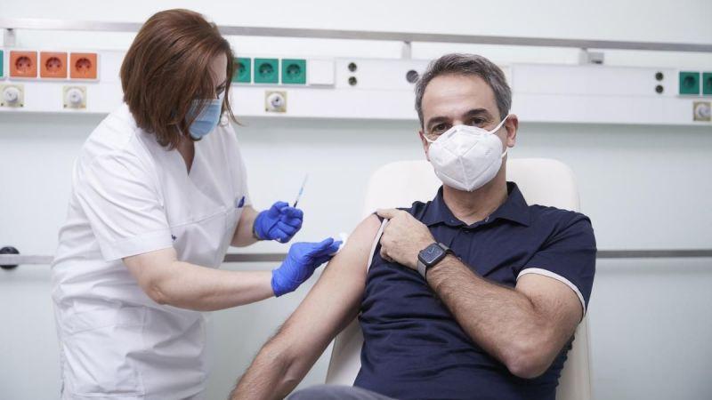 Aşı olmayan 7 bin sağlıkçı görevden uzaklaştırıldı