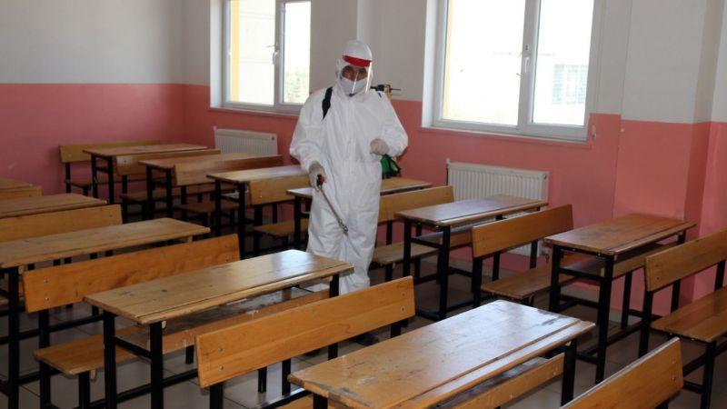 Sınıflar tek tek karantinaya giriyor