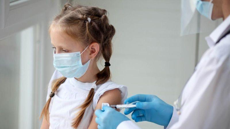 Çocuklara koronavirüs aşısı yapılmalı mı? Kaç yaşındaki çocuklara aşı yapılmalı?