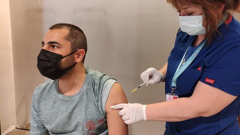 BioNTech aşısında 3. doz kararı! 3. doz kimlere ne zaman yapılacak?