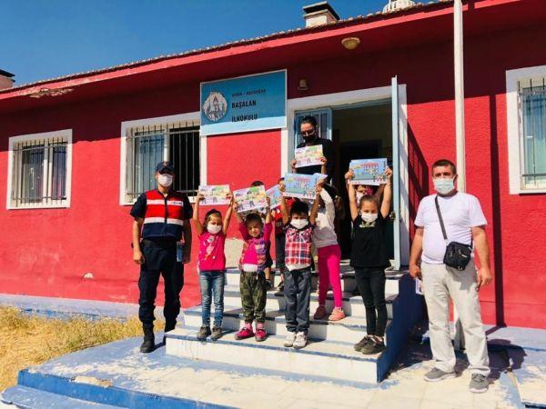Aydın'da 'Güvenli Okul, Güvenli Gelecek' projesi kapsamında jandarma ekipleri denetim yaptı