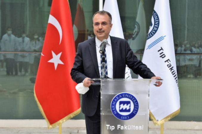 """Marmara Üniversitesiin Tıp Fakültesi """"Önlük Giyme Töreni"""" Gerçekleştirildi"""