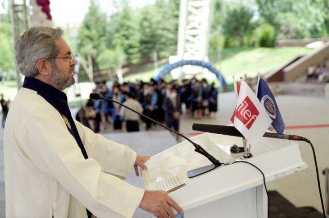 Ankara Üniversitesi: İletişim Fakültesinde Mezuniyet Heyecanı