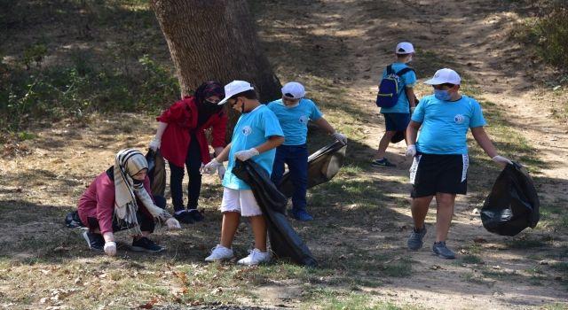 Tuzlalı öğrenciler Dünya Temizlik Günü kapsamında ormanlık alanları temizlediler