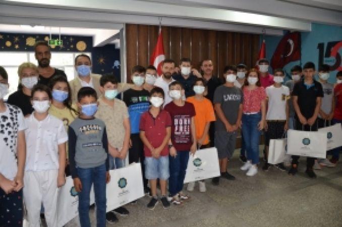 Diyarbakır Büyükşehir Belediyesi: DBB işitme engellileri unutmadı