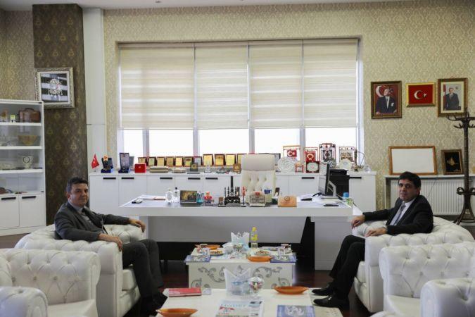 Iğdır Cumhuriyet Başsavcısı Sn. Oğuz Şükrü Ener'den Rektör Alma'ya Ziyaret
