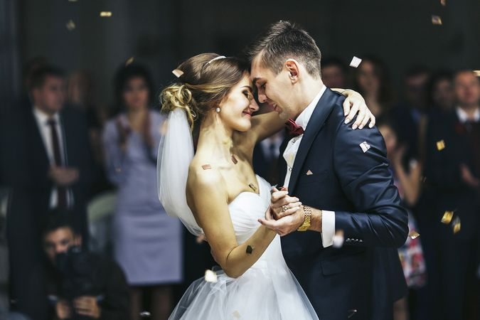 Bakan Koca'dan düğünler için uyarı: Meydanı gelinle damada bırakın