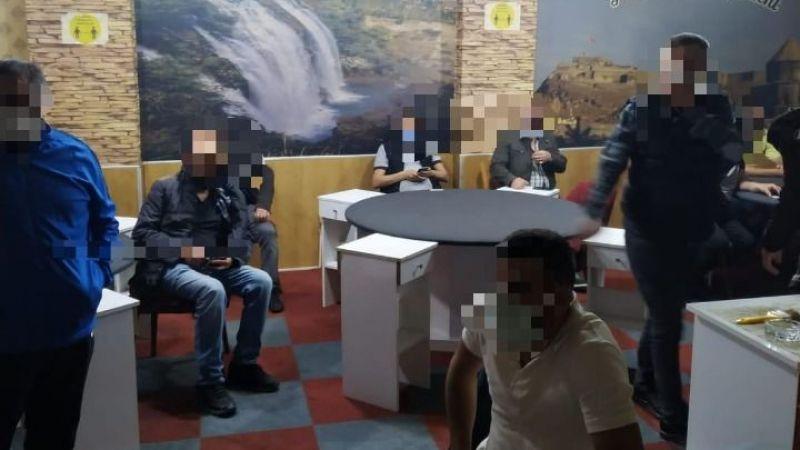 Kahvehanede oyun oynayan 17 kişiye ceza