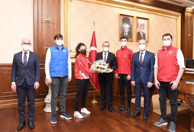 Milli Sporcular'dan Vali Yavuz'a ziyaret
