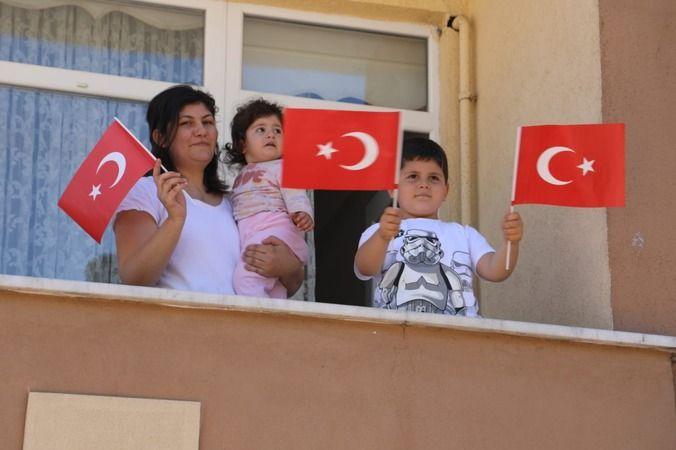 İzmit'in tüm sokaklarında 19 Mayıs coşkusu başladı