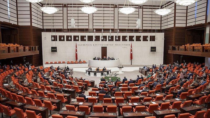 AK Parti milletvekilleri borç yapılandırmasını da içeren kanun teklifini TBMM Başkanlığına sundu