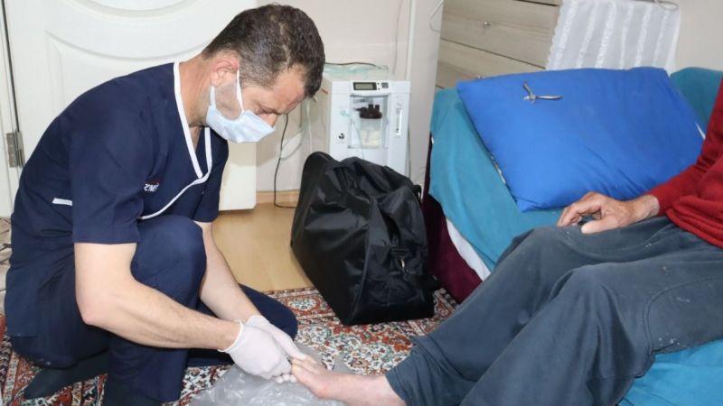 İzmit Belediyesi Evde Bakım Hizmeti ile yüzlerce kişiye şefkat elini uzattı