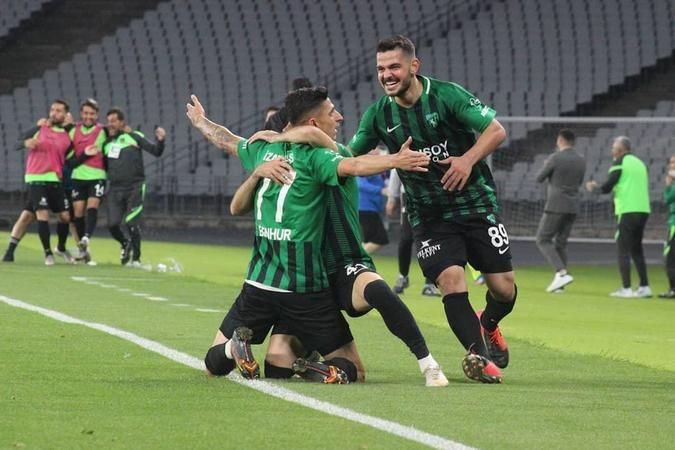 """Kocaelispor Antrenörü Turgay Karslı: """"İyi oyunla haklı bir galibiyet aldık ve TFF 1. Lig'e çıktık"""""""
