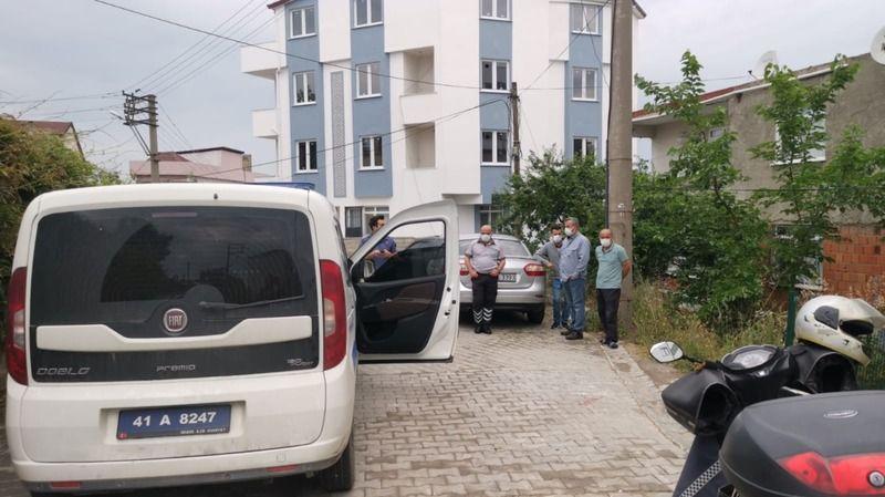 Kocaeli'de otomobilin evden alınan anahtarla çalınması kamerada