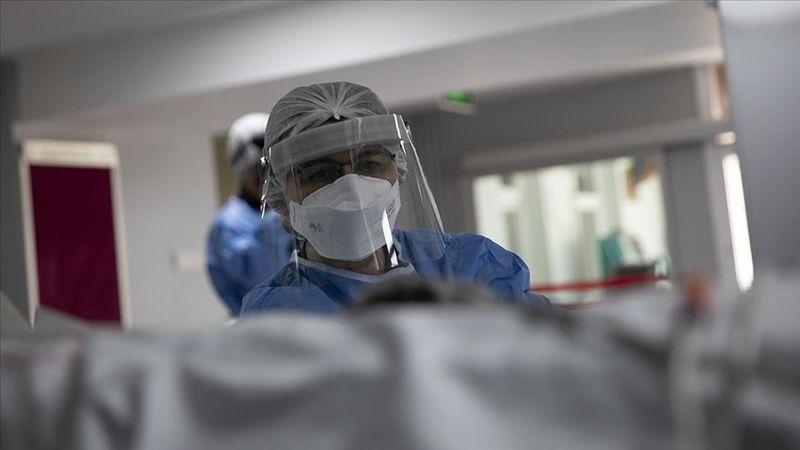 Kovid-19'da pozitiflik oranı ve ağır hasta sayısı son bir ayda üçte birden fazla azaldı