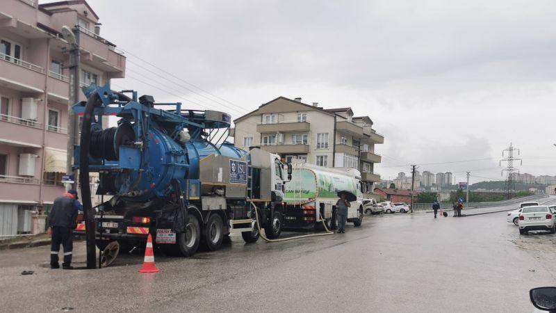 Büyükşehir ani yağışlara karşı görevde