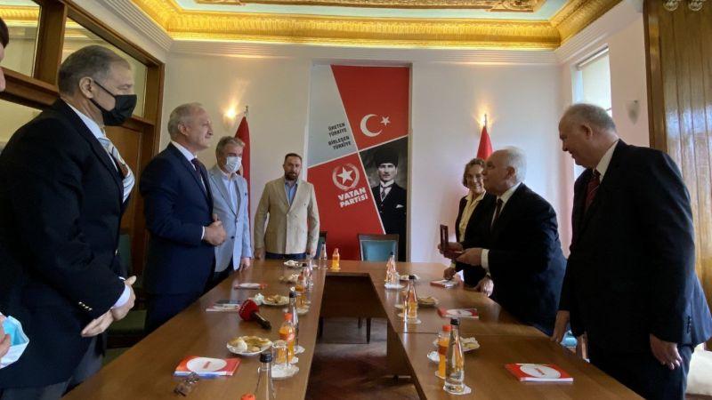 Abhazya Temsilcileri Doğu Perinçek'i ziyaret etti