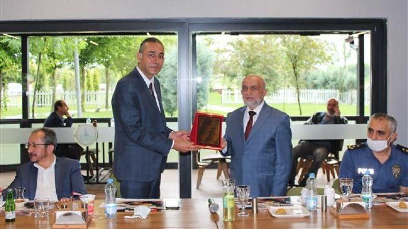 Müftü Mustafa Nurgün  veda yemeği ile uğurlandı