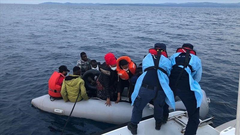 Türk kara sularına itilen 70 sığınmacı kurtarıldı