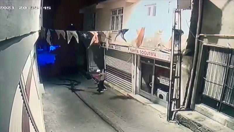 AK Parti Hani İlçe Başkanlığına molotofkokteylli saldırı