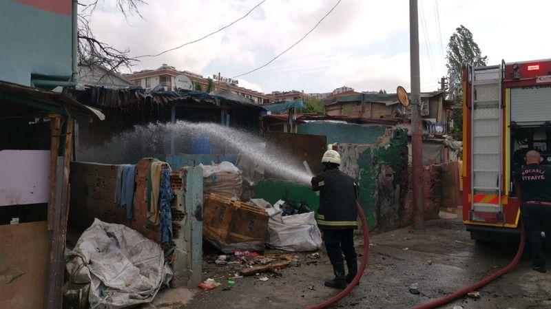 Kocaeli'de gecekonduda çıkan yangın hasara neden oldu