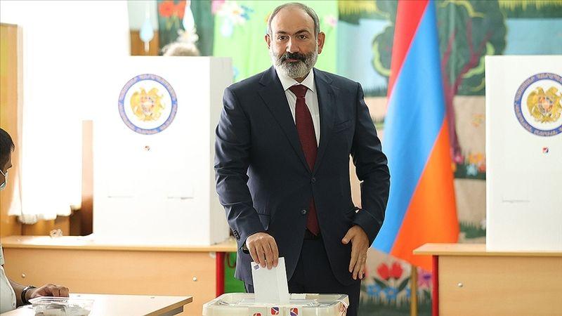Ermenistan'daki erken parlamento seçimini Paşinyan'ın partisi kazandı