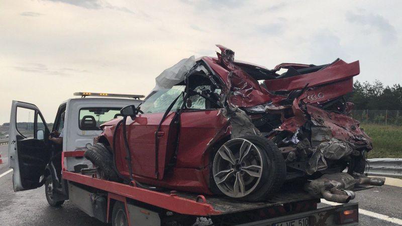 Kuzey Marmara Otoyolu'nda 3 aracın karıştığı kazada 16 yaşındaki genç öldü, 1 kişi yaralandı