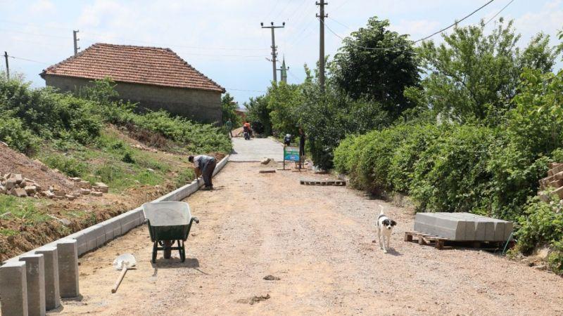 İzmit Belediyesi ile Kabaoğlu'nun yolları yenileniyor