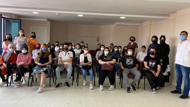 200 öğrenci İzmit Belediyesinden MEZUN OLDU