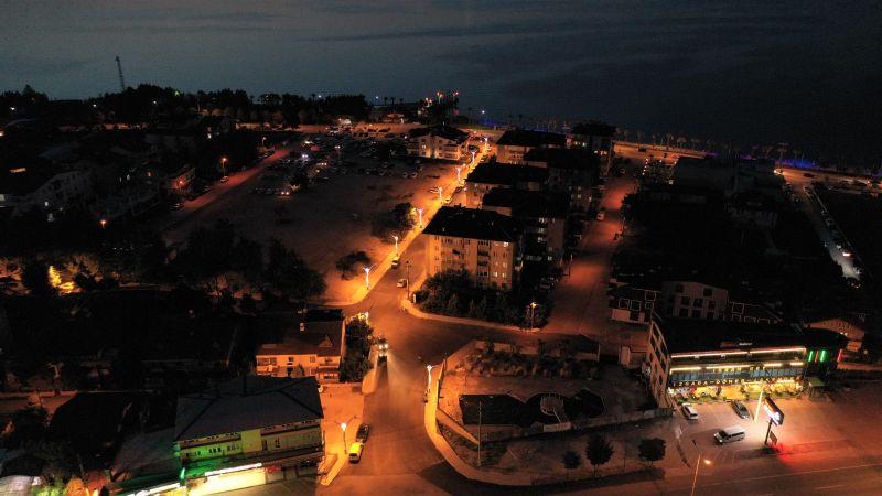 Başiskele Sahili'ne İnen Mesan Sokak Işıl Işıl